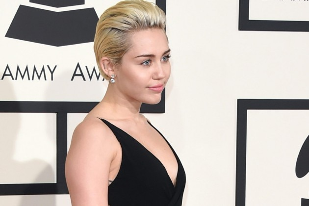 ¡Miley Cyrus confirma que es bisexual!