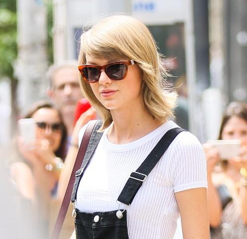 Taylor Swift, de compras en busca de un vestido de boda