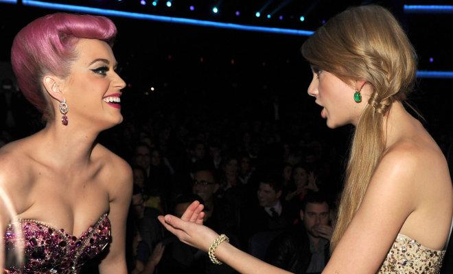 Fans de Taylor Swift abuchean a Katy Perry
