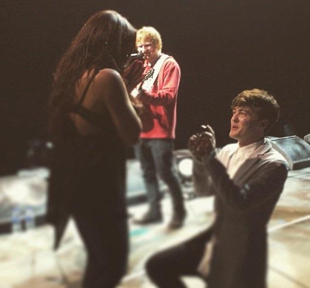 Jesy Nelson y Jake Roche, ¡están comprometidos!