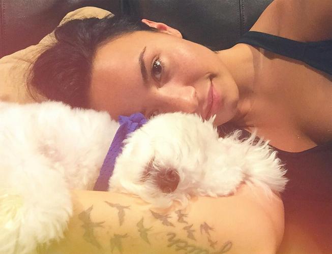 Demi Lovato, destrozada por la muerte de su perro