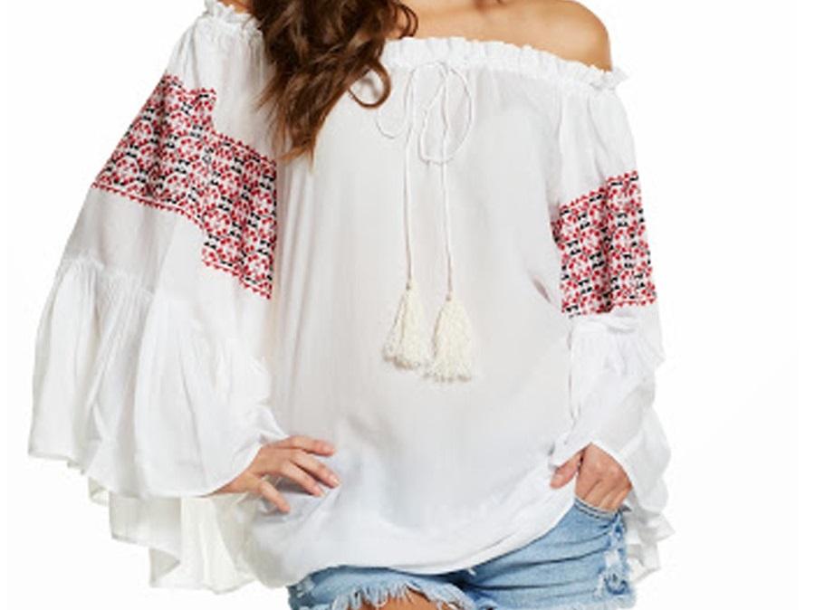 Blusas con los hombros al descubierto, un complemento perfecto para este verano