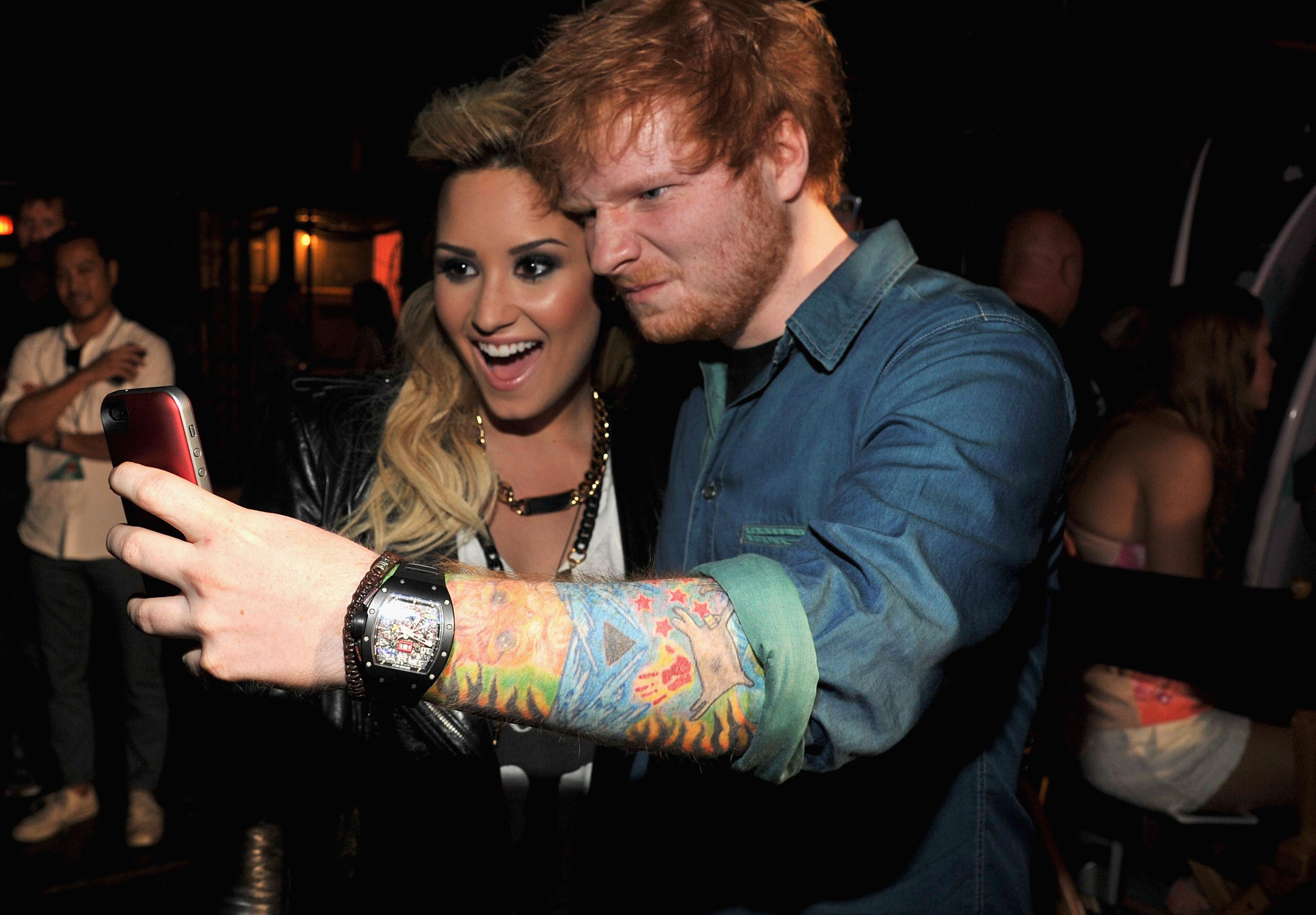 Demi Lovato quiere que Ed Sheeran cante en su boda