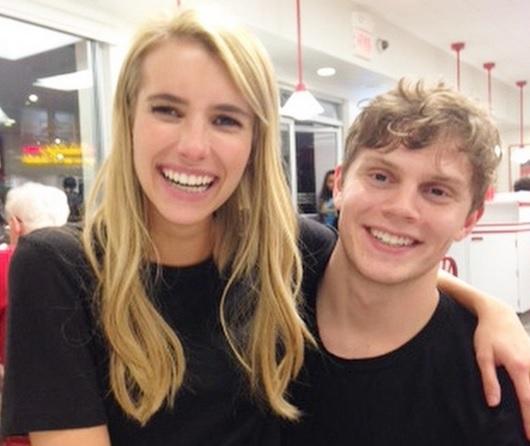 Emma Roberts y Evan Peters, ¡vuelven a estar juntos!