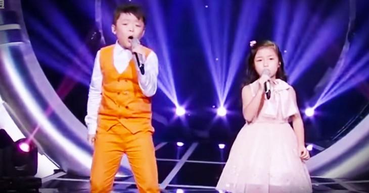 Dos niños de Hong Kong dejan al mundo sin palabras haciendo esto