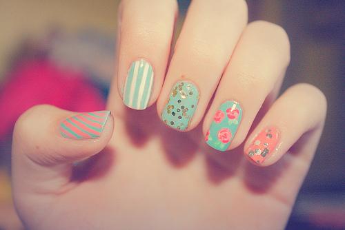 ¿Conoces los riesgos de pintarse las uñas?