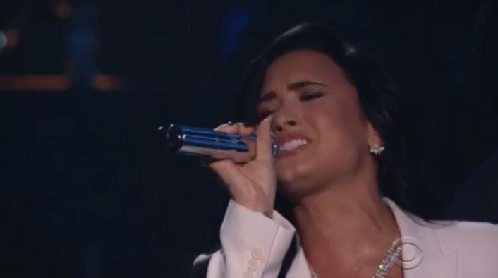 La impresionante actuación de Demi Lovato en los Grammy 2016