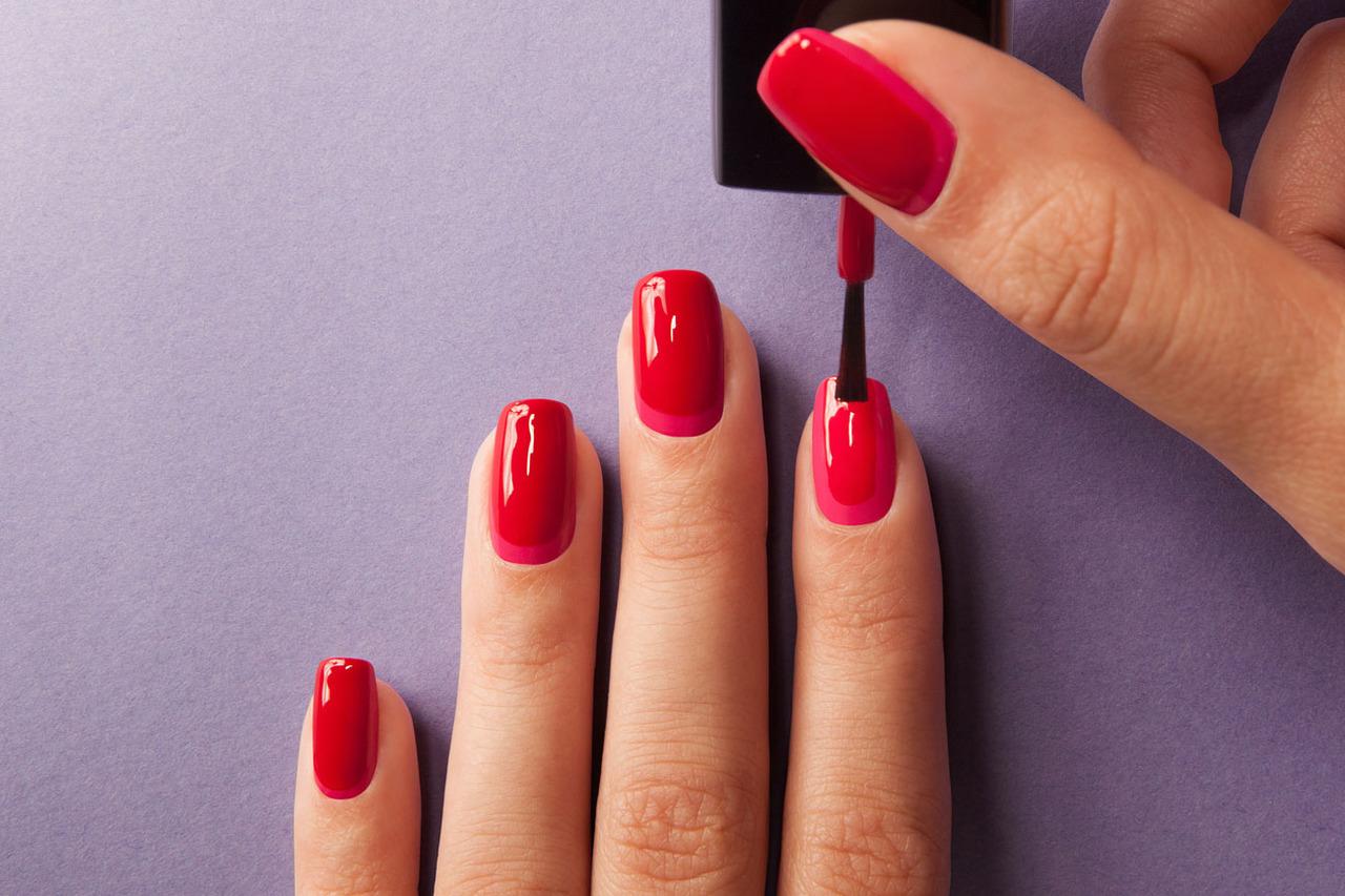 ¿Conoces el truco del vinagre para tus uñas?