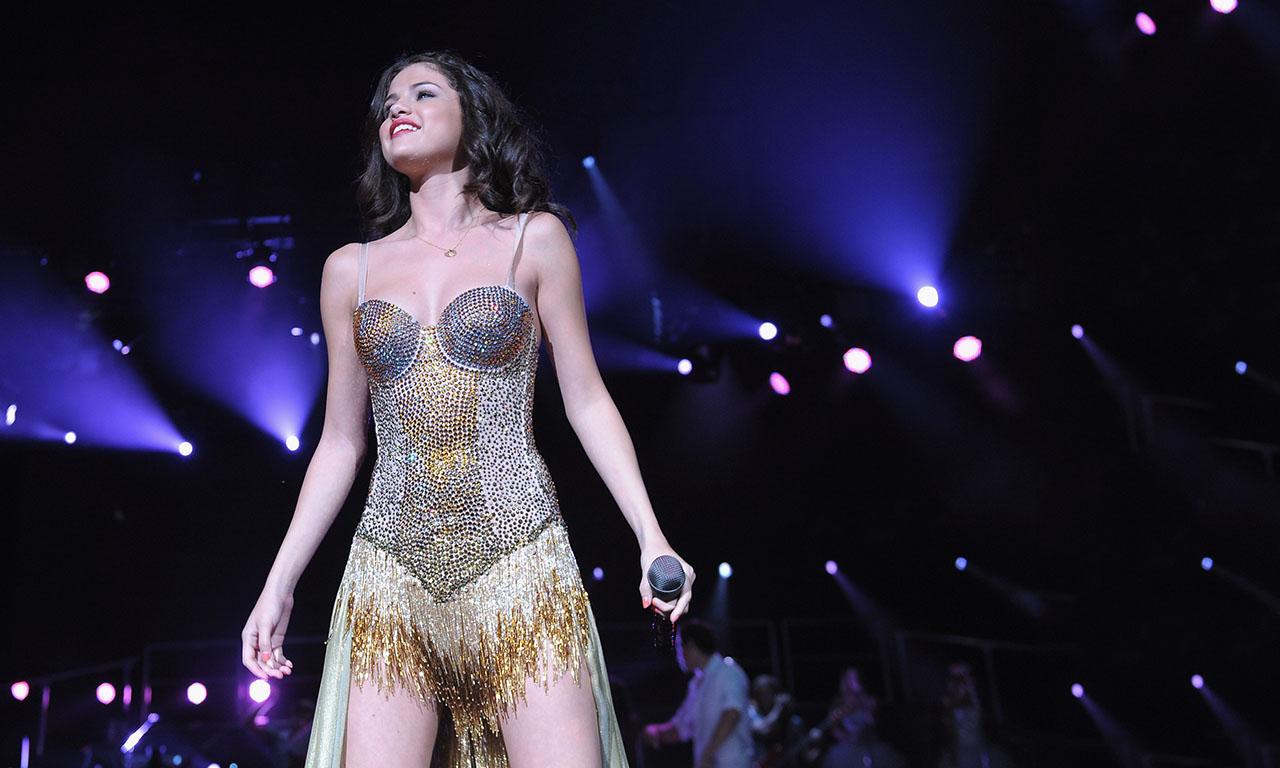 Selena Gomez se emociona en pleno concierto
