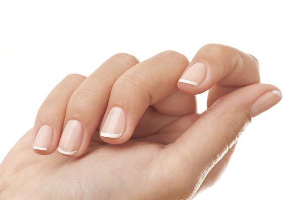 4 trucos para que tus uñas estés más blancas y bonitas