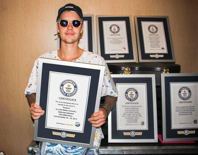 Justin Bieber bate 8 récords Guinness