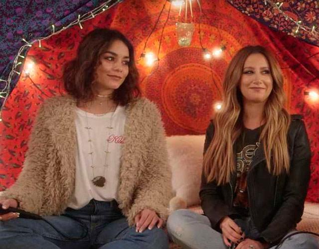 Ashley Tisdale y Vanessa Hudgens cantan juntas 'Ex's & Oh's'