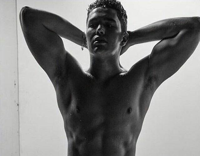 Austin Mahone sin camiseta en L'Uomo Vogue Magazine