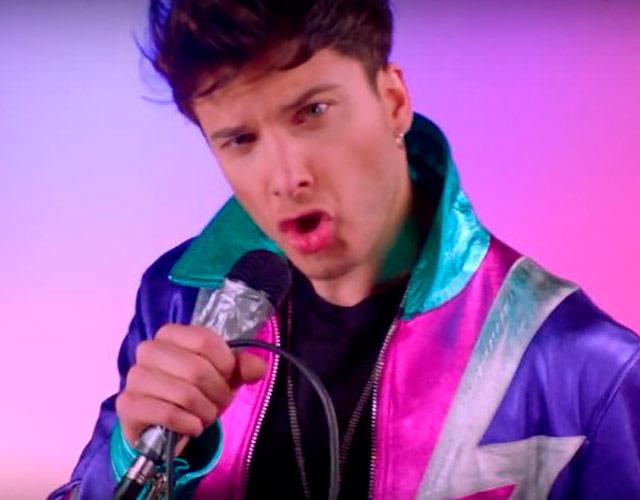 Blas Cantó, ganador de 'Tu Cara Me Suena', estrena vídeo para 'In Your Bed'