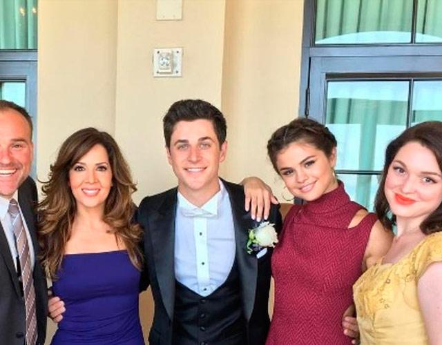 La reunión de Selena Gómez y 'Los magos de Waverly Place' en una boda