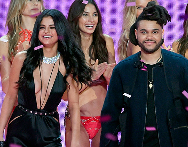 El beso de Selena Gómez y The Weeknd en su primer selfie
