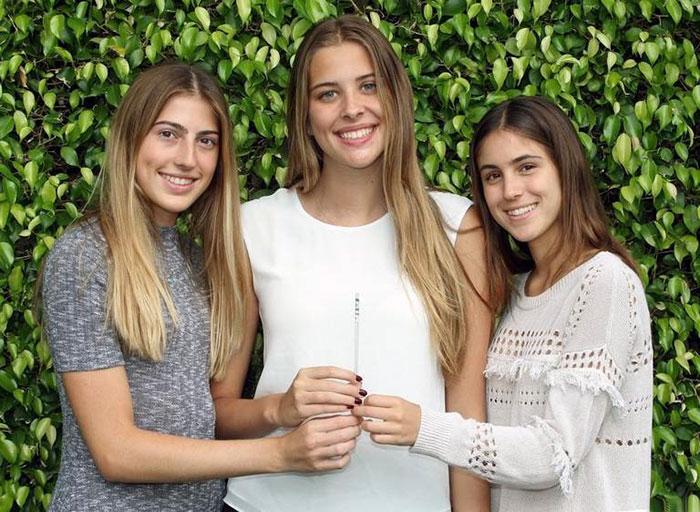 El ingenioso invento de 3 adolescente para detectar droga en las bebidas