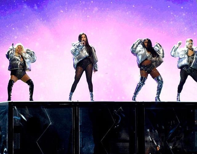 """Fifth Harmony """"se cargan"""" a Camila Cabello en los MTV VMA 2017"""