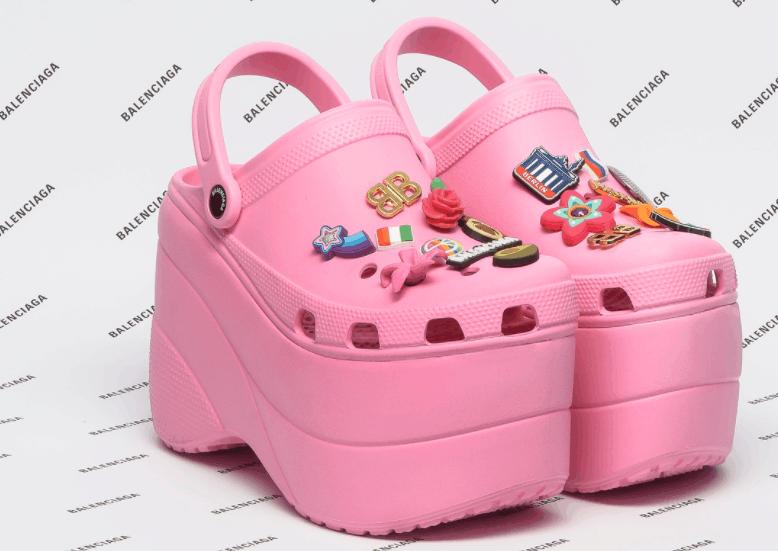 Las Crocs con plataformas que solo puedes odiar o amar