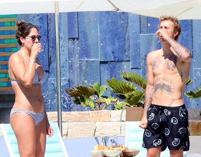 Justin Bieber sin camiseta y bebiendo tequila en México