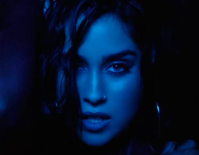 Lauren Jauregui canta 'All Night' para Steve Aoki
