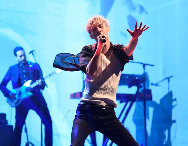 Troye Sivan presenta 'My My My!' y 'The Good Side' en 'Saturday Night Live'