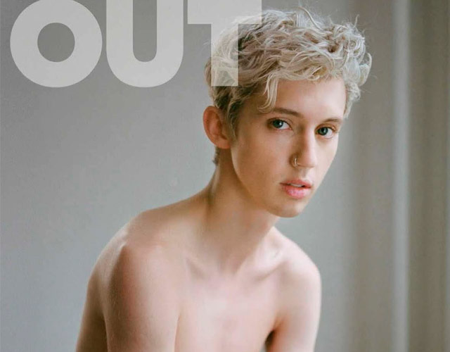 Troye Sivan sin camiseta en Out Magazine