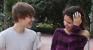 Una fan le compra un helado a Selena Gómez