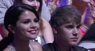 Justin Bieber baila al ritmo de su novia Selena Gómez