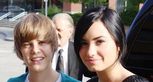 Justin Bieber y Demi Lovato apoyan el disco de Selena Gómez