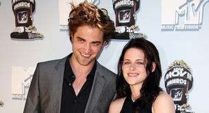Kristen Stewart se ríe de Robert Pattinson