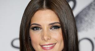 Ashley Greene feliz sin novio