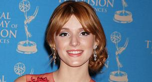 Bella Thorne elegante en los Daytime Creative Emmy Awards 2012
