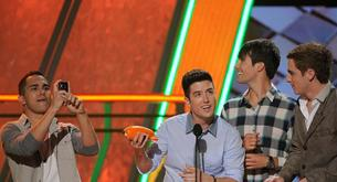 Big Time Rush ganan el premio de Grupo Favorito en los Kids Choice Awards 2012