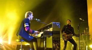 Coldplay también hace su tributo a Amy Winehouse