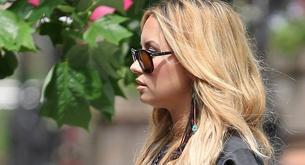 Demi Lovato en sesión de fotos con su nuevo pelo rubio