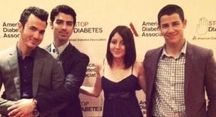 El padre de los Jonas Brothers recibe el premio a Padre del Año