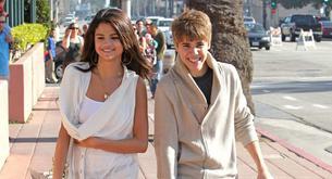 Un 56% de las adolescentes piensa que Selena Gómez está con Justin Bieber por fama