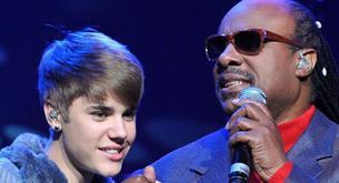 Justin Bieber emocionado por cantar junto a Stevie Wonder