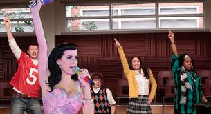 "Las chicas de GLEE cantan ""I kissed a girl"" de Katy Perry"