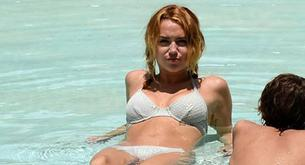 Miley Cyrus enseña cuerpo en la piscina tras tantas horas de pilates