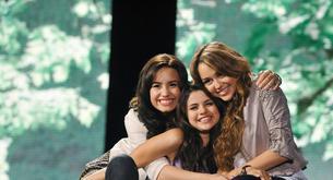 Demi Lovato estuvo apoyada por Selena Gómez y Miley Cyrus
