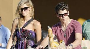 Nick Jonas y Delta Goodrem: amor de supermercado