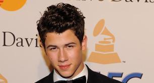 El vídeo del estreno de Nick Jonas en Hairspray