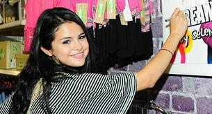 Selena Gómez visita por sorpresa su tienda Dream Out Loud en Los Angeles