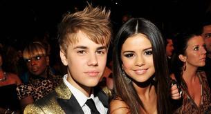 Justin Bieber y Selena Gómez se van de Karaoke