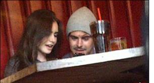 Zac Efron y Lily Collins salen a cenar juntos otra vez