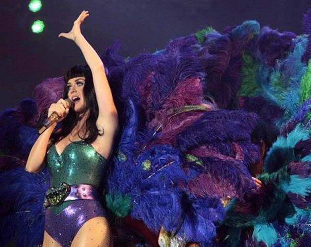 Katy Perry como un pavo real en Rock in Rio