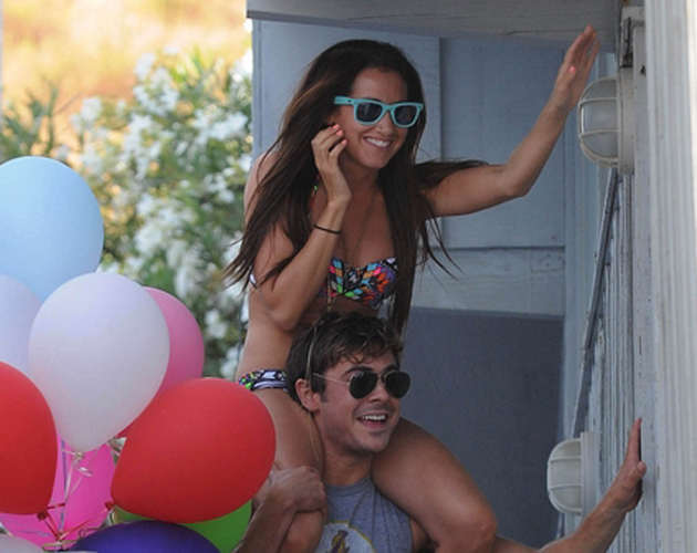 Ashley Tisdale y Zac Efron juntos en Malibú