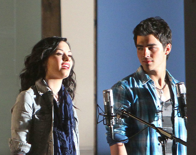 Joe Jonas no olvida a Demi Lovato